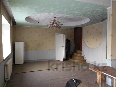 4-комнатный дом, 194 м², Пролетарская 12/1 за ~ 2.3 млн 〒 в Алтае — фото 3