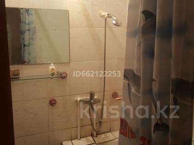 2-комнатная квартира, 50 м², 1/5 этаж помесячно, Гагарина 38 — Пахомова за 70 000 〒 в Павлодаре — фото 4