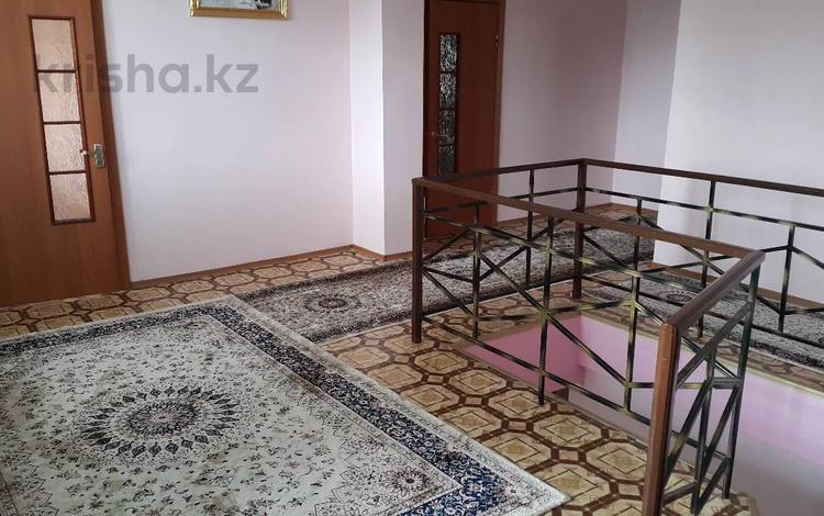 7-комнатный дом, 450 м², 12 сот., Кунгей 4 22 за 50 млн 〒 в Караганде, Казыбек би р-н
