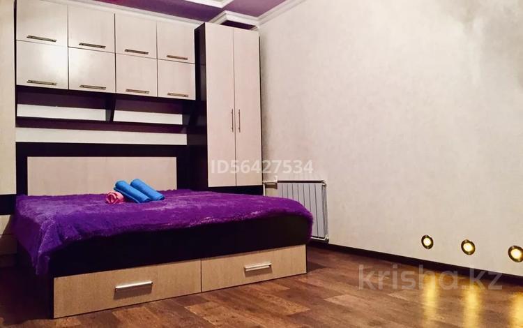 1-комнатная квартира, 36 м², 2/5 этаж посуточно, Комсомольский 25 за 5 500 〒 в Темиртау