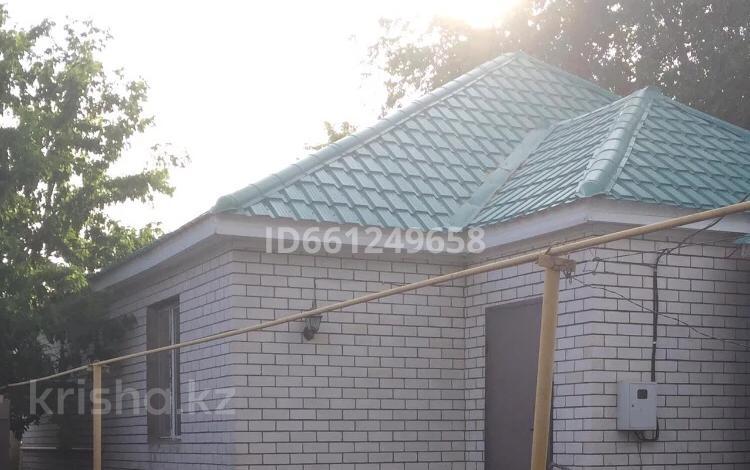6-комнатный дом помесячно, 125 м², Гмз за 15 000 〒 в Актобе, Старый город