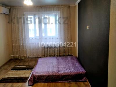 3-комнатная квартира, 70 м², 5/5 этаж помесячно, мкр Айнабулак-2 42 за 110 000 〒 в Алматы, Жетысуский р-н — фото 2