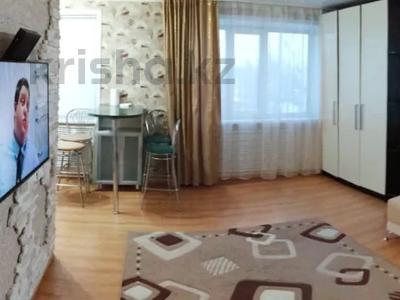 1-комнатная квартира, 38 м², 3/5 этаж посуточно, Аль-Фараби 38 за 6 000 〒 в Костанае
