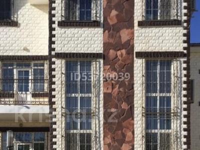 11-комнатный дом, 480 м², 18 сот., мкр Мунайшы за 88 млн 〒 в Атырау, мкр Мунайшы