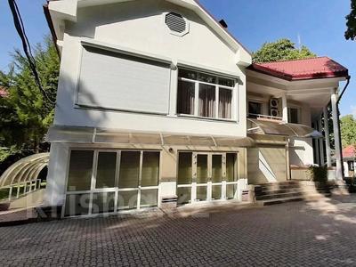 5-комнатный дом помесячно, 500 м², 25 сот., Оспанова 83 за 1 млн 〒 в Алматы, Медеуский р-н