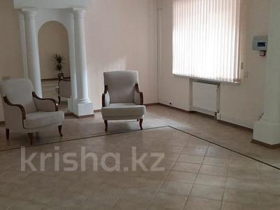 5-комнатный дом помесячно, 500 м², 25 сот., Оспанова 83 за 1 млн 〒 в Алматы, Медеуский р-н — фото 4