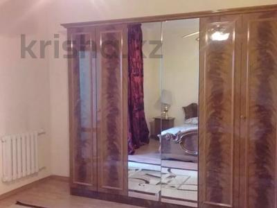 2-комнатная квартира, 80 м², 7/14 этаж посуточно, Гоголя 2 за 12 000 〒 в Алматы — фото 5