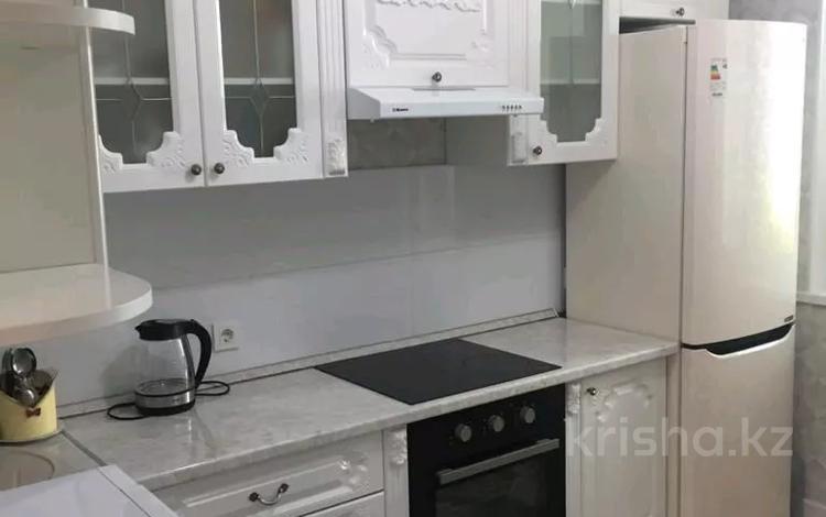 2-комнатная квартира, 75 м², 5/14 этаж помесячно, Туркестан 10 за 150 000 〒 в Нур-Султане (Астана), Есиль р-н
