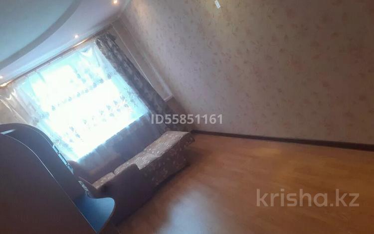 2-комнатная квартира, 48 м², 3/5 этаж посуточно, И.Ларина 3 — Джамбула за 7 000 〒 в Уральске