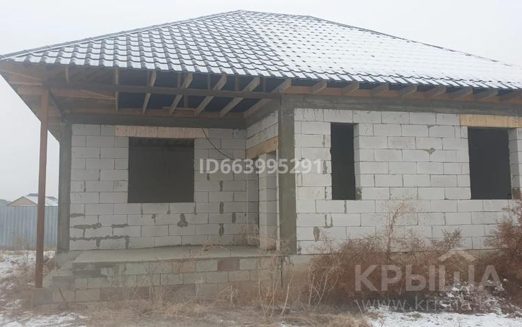 3-комнатный дом, 100 м², 6 сот., Село Коянкус, Наурыз 260 за 13.5 млн 〒