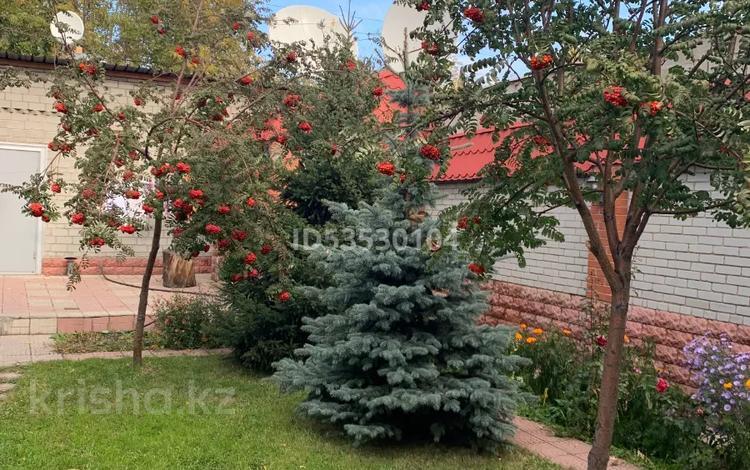 4-комнатный дом, 300 м², 6 сот., Сатпаева — Гоголя за 45.4 млн 〒 в Караганде, Казыбек би р-н