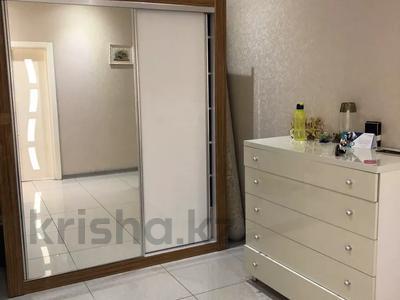 2-комнатная квартира, 77 м², 5/10 этаж, Еримбетова 1а — Рыскулова за 26.5 млн 〒 в Шымкенте, Енбекшинский р-н — фото 11