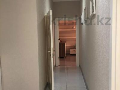 2-комнатная квартира, 77 м², 5/10 этаж, Еримбетова 1а — Рыскулова за 26.5 млн 〒 в Шымкенте, Енбекшинский р-н — фото 12