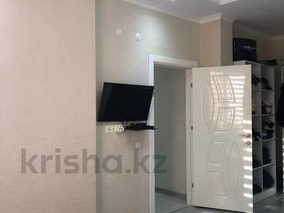 2-комнатная квартира, 77 м², 5/10 этаж, Еримбетова 1а — Рыскулова за 26.5 млн 〒 в Шымкенте, Енбекшинский р-н — фото 6