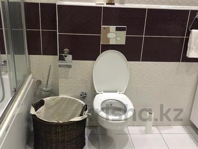 2-комнатная квартира, 77 м², 5/10 этаж, Еримбетова 1а — Рыскулова за 26.5 млн 〒 в Шымкенте, Енбекшинский р-н — фото 9