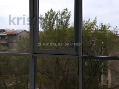 1-комнатная квартира, 52 м², 4/12 этаж, Навои — Аль-Фараби за 27 млн 〒 в Алматы, Бостандыкский р-н — фото 4