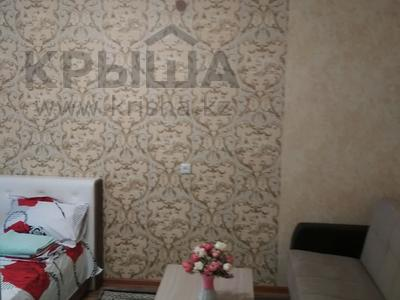 1-комнатная квартира, 32 м², 1/3 этаж посуточно, улица Бауыржана Момышулы 7а — Тауке Хана за 8 000 〒 в Шымкенте — фото 2