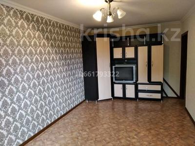 2-комнатная квартира, 50 м², 2/5 этаж помесячно, 15-й микрорайон за 65 000 〒 в Караганде