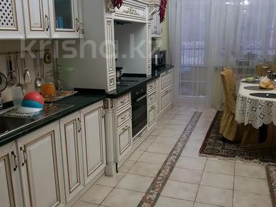 8-комнатная квартира, 430 м², 1/2 этаж, улица Козбагарова 42 — Ибраева - Козбагарова за 170 млн 〒 в Семее — фото 2