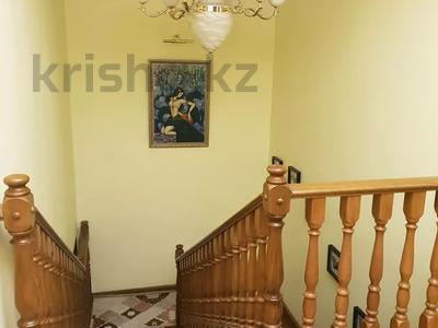 8-комнатная квартира, 430 м², 1/2 этаж, улица Козбагарова 42 — Ибраева - Козбагарова за 170 млн 〒 в Семее — фото 4
