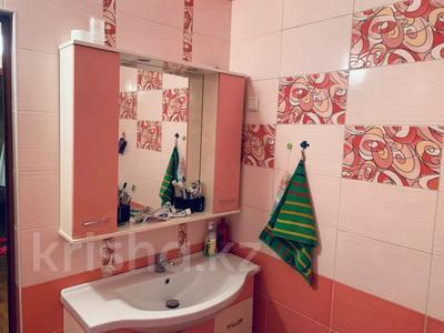 1-комнатная квартира, 52.5 м², 7/9 этаж, мкр Аксай-1А 27 за 18 млн 〒 в Алматы, Ауэзовский р-н — фото 5
