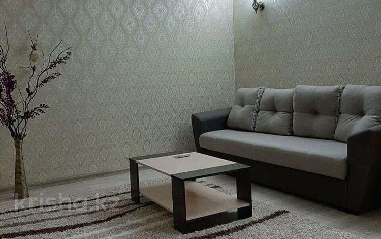 1-комнатная квартира, 45 м², 2 этаж, проспект Тауке хана 33 за 16.5 млн 〒 в Шымкенте