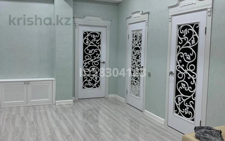 7-комнатный дом, 305 м², 6 сот., 1-й мкр, мкр 1 за 78 млн 〒 в Актау, 1-й мкр