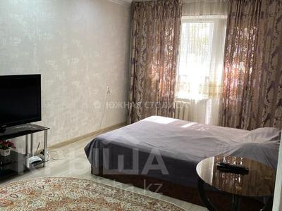 1-комнатная квартира, 35 м², 2/5 этаж посуточно, Макатаева 118 — Наурызбай батыра за 8 000 〒 в Алматы, Алмалинский р-н
