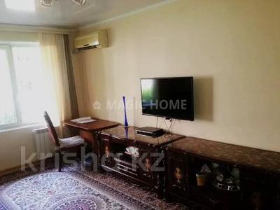 2-комнатная квартира, 46 м², 1/5 этаж, мкр Аксай-3 за 14.5 млн 〒 в Алматы, Ауэзовский р-н