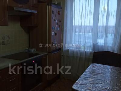2-комнатная квартира, 54 м², 9/10 этаж, Степной-4 — Гульдер за 13.8 млн 〒 в Караганде, Казыбек би р-н — фото 3
