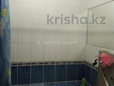 2-комнатная квартира, 54 м², 9/10 этаж, Степной-4 — Гульдер за 13.8 млн 〒 в Караганде, Казыбек би р-н — фото 5