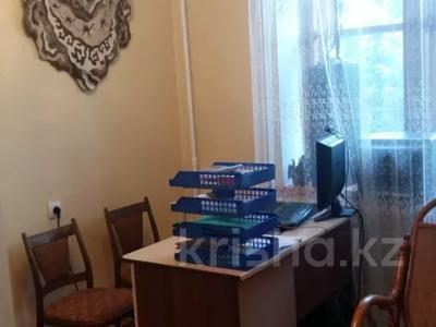 5-комнатная квартира, 100 м², 5/9 этаж, Сатпаева 253 — Чокина за 25 млн 〒 в Павлодаре — фото 5