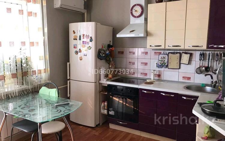 1-комнатная квартира, 59 м², 7/9 этаж, Болашак 133 за 10.5 млн 〒 в Актобе