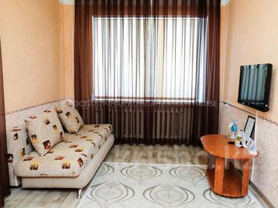 1-комнатная квартира, 40 м², 1/3 этаж посуточно, проспект Бухар Жырау 35 за 8 995 〒 в Караганде, Казыбек би р-н — фото 2
