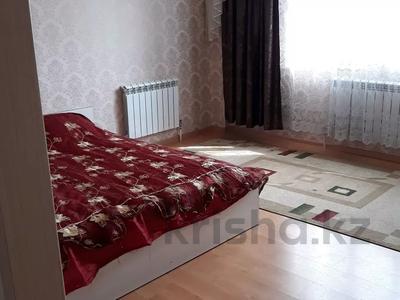 1-комнатная квартира, 40 м², 1/12 этаж посуточно, Е30 5 за 7 000 〒 в Нур-Султане (Астана), Есиль р-н