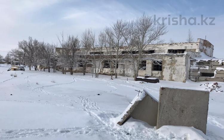 Здание, площадью 990.6 м², Копеева 6 за ~ 3 млн 〒 в Баянауле