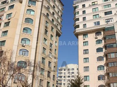 5-комнатная квартира, 220 м², 15/15 этаж, Ходжанова 76 — Аль-Фараби за 78 млн 〒 в Алматы, Бостандыкский р-н — фото 4