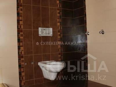 5-комнатная квартира, 220 м², 15/15 этаж, Ходжанова 76 — Аль-Фараби за 78 млн 〒 в Алматы, Бостандыкский р-н — фото 32