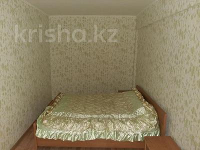 2-комнатная квартира, 56 м², 3/5 этаж посуточно, Микрорайон Жидебая батыра 14 — Агыбай-Батыра за 7 000 〒 в Балхаше