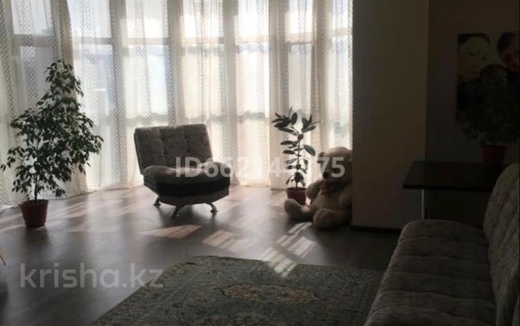 3-комнатная квартира, 129 м², 7/12 этаж, мкр Тастак-2 273/4 за ~ 38 млн 〒 в Алматы, Алмалинский р-н