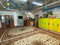 9-комнатный дом, 421 м², 12 сот.