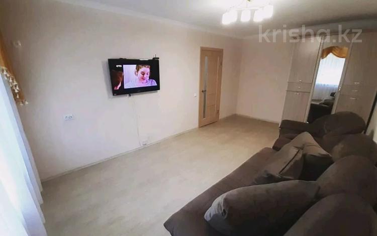 1-комнатная квартира, 36 м², 2/9 этаж посуточно, Академика Чокина 24 — Сатпаева за 6 500 〒 в Павлодаре