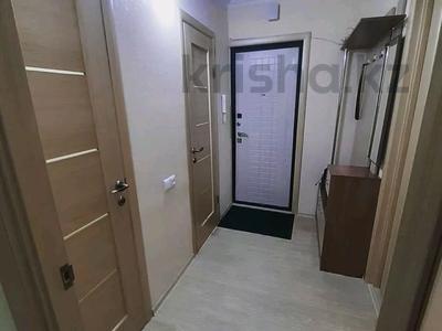 1-комнатная квартира, 36 м², 2/9 этаж посуточно, Академика Чокина 24 — Сатпаева за 6 500 〒 в Павлодаре — фото 2