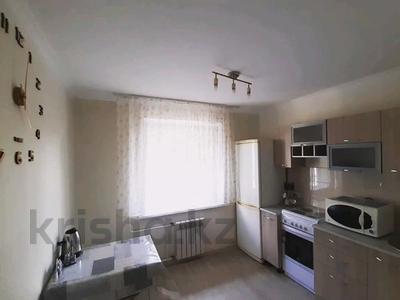 1-комнатная квартира, 36 м², 2/9 этаж посуточно, Академика Чокина 24 — Сатпаева за 6 500 〒 в Павлодаре — фото 4