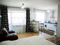 1-комнатная квартира, 42 м², 3/3 этаж посуточно, 14 микрорайон 22 за 6 995 〒 в Караганде, Казыбек би р-н