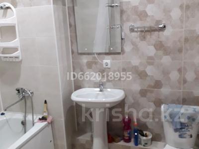 1-комнатная квартира, 34 м², 5/12 этаж помесячно, мкр Акбулак 93 за 110 000 〒 в Алматы, Алатауский р-н — фото 5