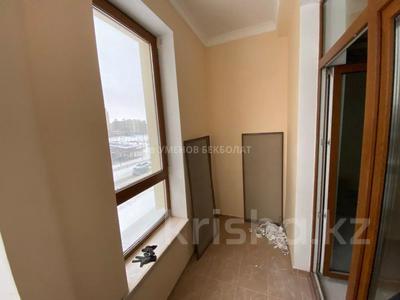 4-комнатная квартира, 150 м², 3/6 этаж, Сыганак 14/1 за 90 млн 〒 в Нур-Султане (Астана), Есиль р-н — фото 5