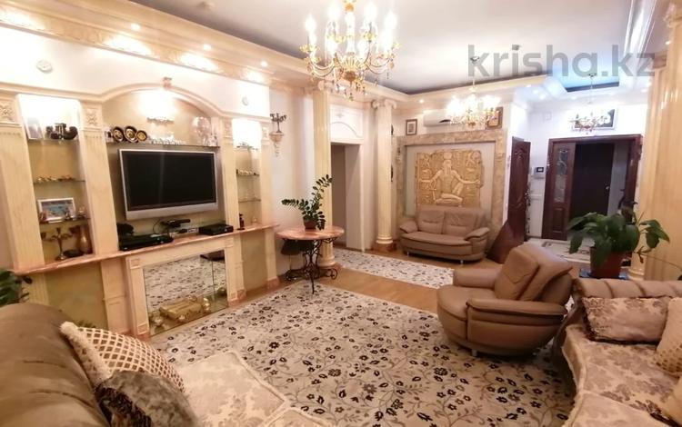 3-комнатная квартира, 120 м², 14/21 этаж, Солодовникова — Гагарина переулок за 53 млн 〒 в Алматы, Бостандыкский р-н