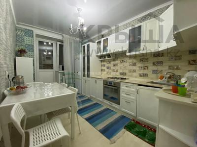 2-комнатная квартира, 60 м², Тауелсиздик за 20 млн 〒 в Нур-Султане (Астана), Алматы р-н