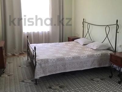 2-комнатная квартира, 68 м², 4/5 этаж, Чайкиной — Достык за 27 млн 〒 в Алматы, Медеуский р-н — фото 3
